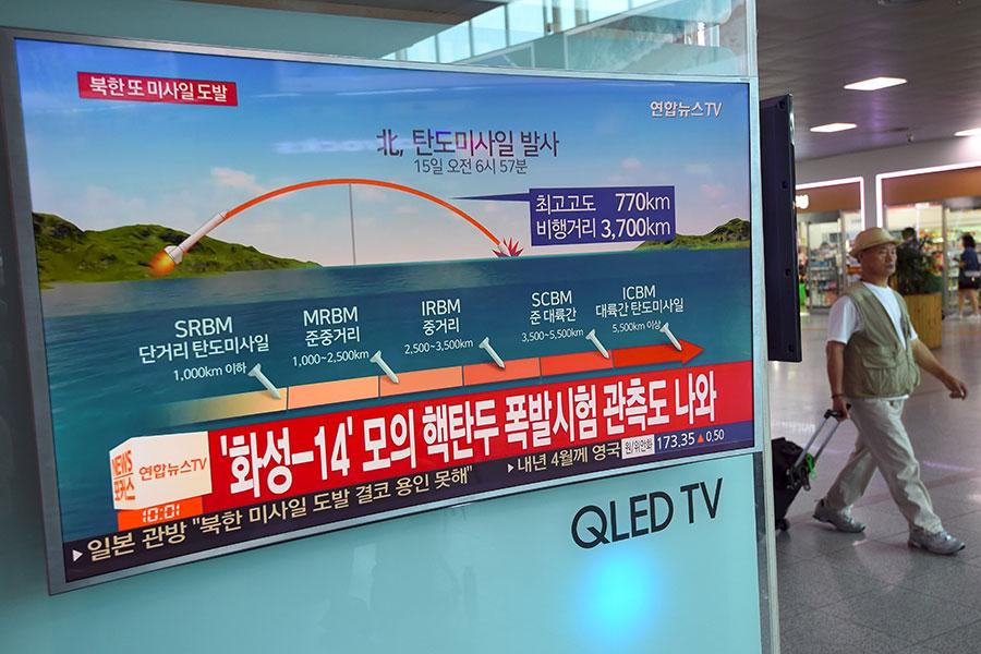 美朝若爆發地面戰,專家警告,將會是一場血腥殺戮。(AFP PHOTO/JUNG Yeon-Je)