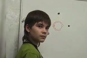 「火星男孩」已20歲 其故事再引起媒體關注