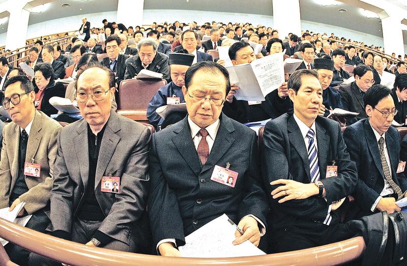 中共黨員羞於表露身份