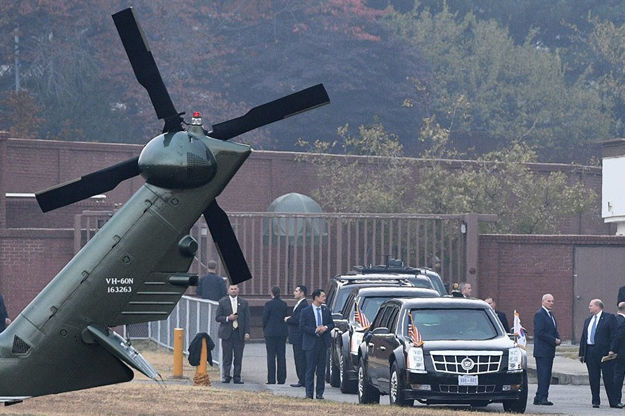 特朗普搭直升機突訪兩韓非軍事區 因大霧折返