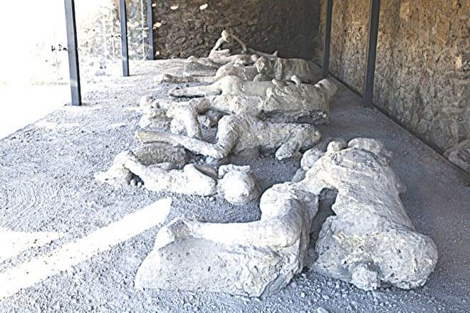龐貝城內被火山灰掩埋的屍體。(Getty Images)