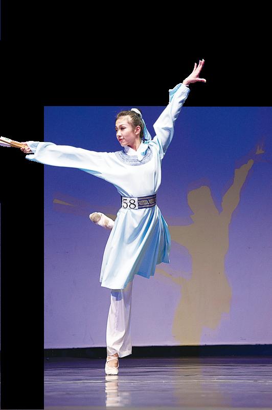 鄭道詠表演的劇目《英台》,獲得2014年第六屆「全世界中國古典舞大賽」 青年女子組金獎。(愛德華/大紀元)