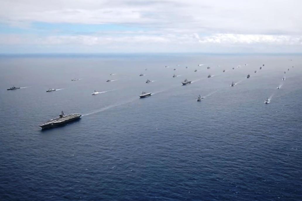 美國航空母艦編隊。(YouTube視像擷圖)