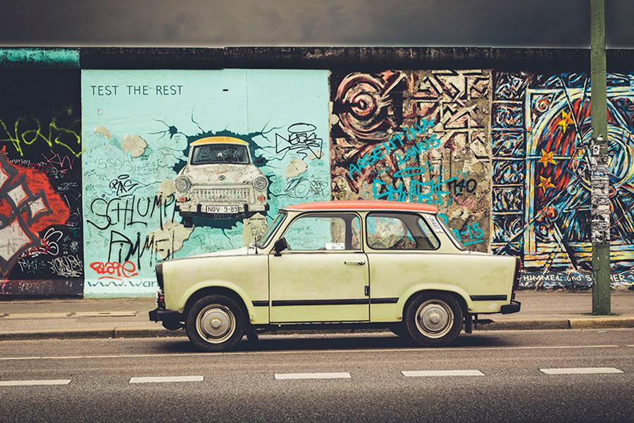 柏林牆是德國歷史的見證,它是冷戰的象徵,是東德逃亡者死亡的標記。今年11月9日則是它倒塌28年的日子。(iStock.com/bluejayphoto)