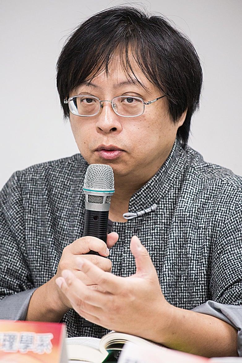 台灣中華大學行政管理學系副教授曾建元。(大紀元)