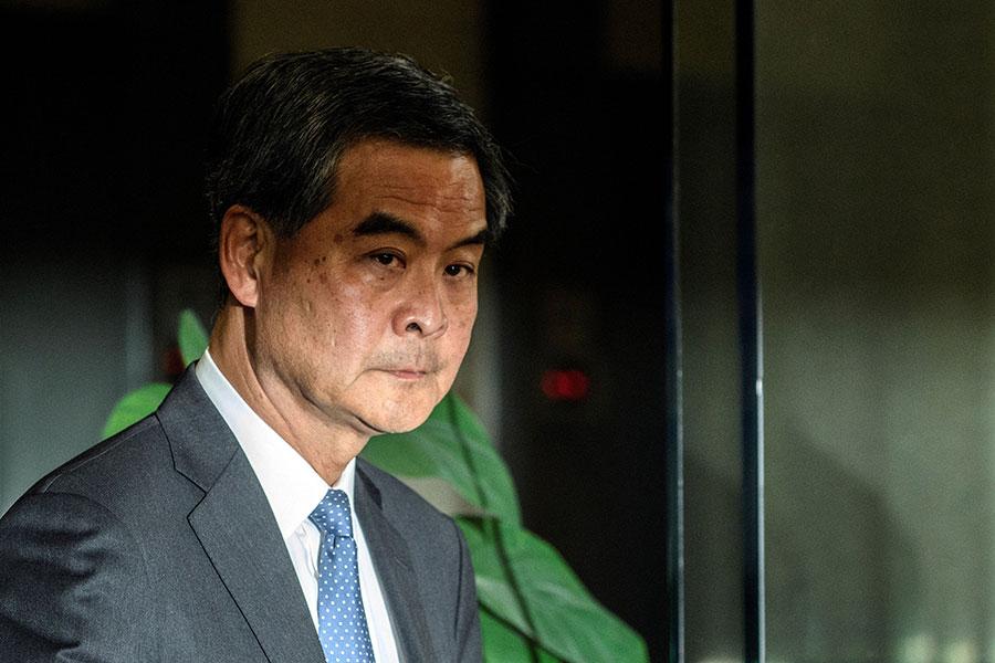 日前,出席香港「回歸」20周年研討會的香港前特首梁振英爆出驚人之語,稱「以國家名義殺人,是不犯法」。圖為梁振英資料圖片。(ANTHONY WALLACE/AFP/Getty Images)