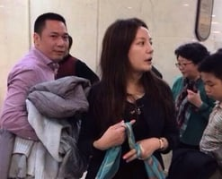 趙薇夫婦遭陸證監會處罰 面臨上百投資者索償