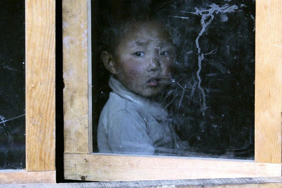 中共洗腦片教唆兒童告親人 分析:文革重現