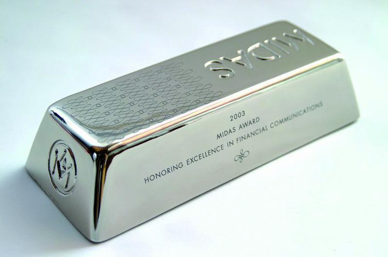 越來越多的聰明資金在貴金屬低檔的此時大量買進,部份專家認為白銀未來的漲幅可能高於黃金。(TRUNEY貴金屬投資中心提供)