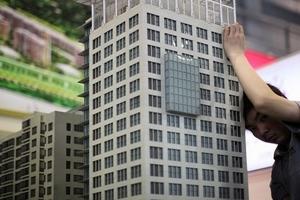 樓市調控真相:房價跌十萬 買房成本增近百萬