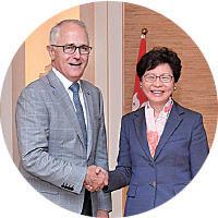 (左)澳洲總理特恩布爾(政府新聞網)