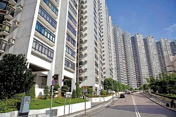 在一手市場壓力下,二手樓市仍是乾漲,中原地產十大屋苑當中有五個屋苑錄零成交。圖為康怡花園二手樓。(大紀元資料室)