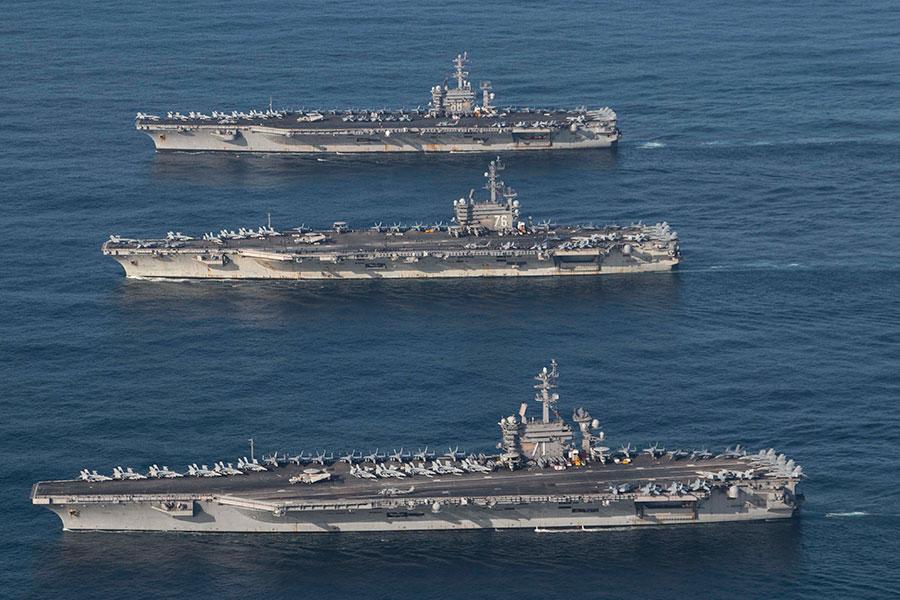 美國羅納德・列根號、西奧多・羅斯福號、尼米茲號及其各自護航軍艦正在參加為期四天的演習。(U.S. Navy photo by Lt. j.g. James Griffin/Released)