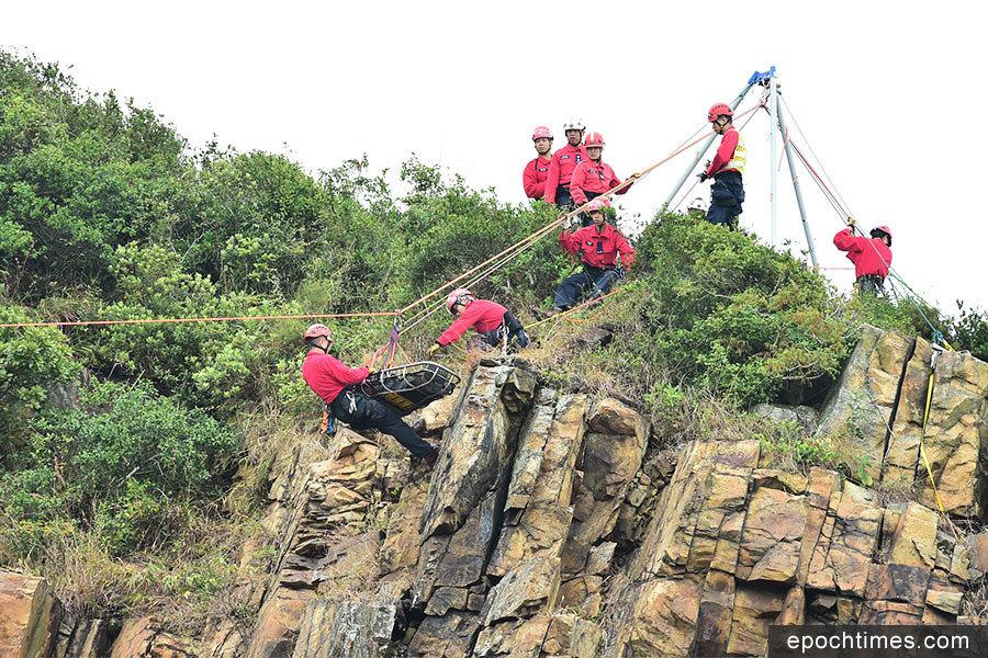 民安隊指爬山意外增加 「紅衣飛虎」演練拯救