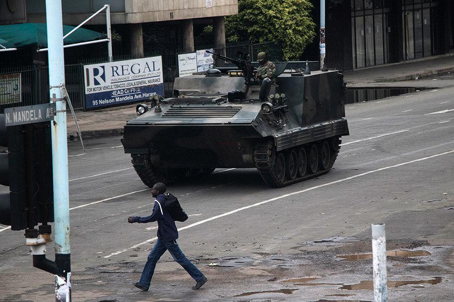 津巴布韋發生軍事政變 總統穆加貝被軍方拘留