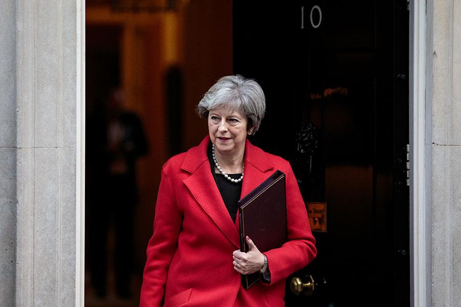 英國文翠珊首相面臨保守黨內的留歐派和脫歐派的夾擊。(Jack Taylor/Getty Images)