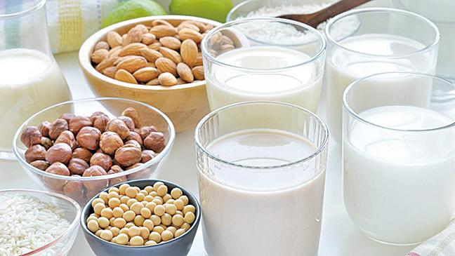 奶製品有益心臟,但在選購奶製品時要注意膽固醇的問題。(網絡圖片)