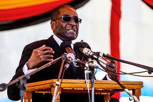 津巴布韋變天 遭軟禁的穆加貝拒絕下台