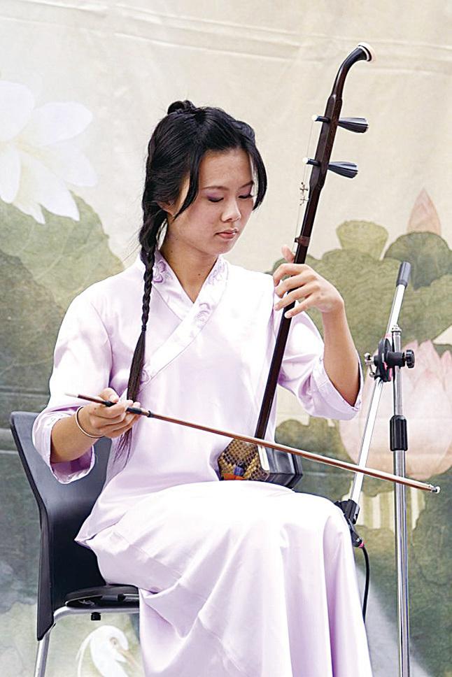 二胡是一種拉絃樂器。有兩根弦,現代二胡以純五度定弦,在胡琴之中屬於中高音域樂器。二胡多以木材製作,如紅木、小葉紫檀、烏木、雞翼木等。琴筒一端蒙以蛇皮,這是二胡獨特音色的來源,高級的二胡則多採用蟒蛇皮。二胡聲音淒涼柔美,讓聽者有如歌如泣之感。