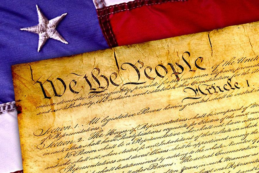《美國獨立宣言》聲明,人造物主那裏被賦予了不可轉讓的權利,其中包括生命權、自由權和追求幸福的權利。與共產主義意識形態正好相反。(Pixabay)