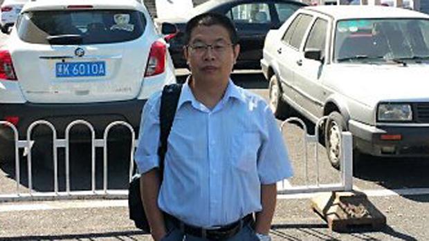 拍攝四川法院法警不法行為 律師盧廷閣遭毆