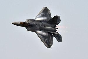 美軍實施新戰術 F22首次空襲塔利班毒品廠