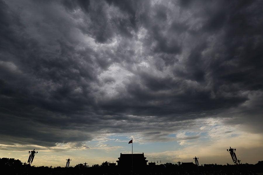 歐媒3月12日報道說,習近平當局推動修憲的主要原因是擔心中共利益集團反撲。(Feng Li/Getty Images)