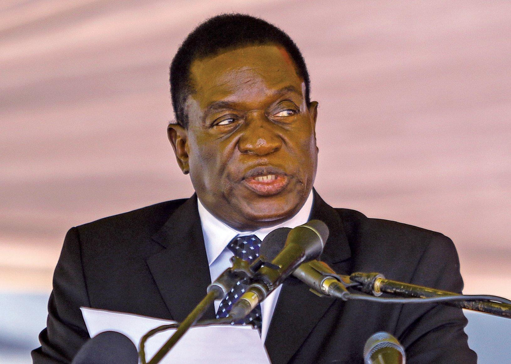 日前被免職的津巴布韋第一副總統,75歲的姆南加古瓦,情報單位出身,以手段殘酷聞名,素有「鱷魚」之稱。預定最快22日回國接掌政權。(AFP)