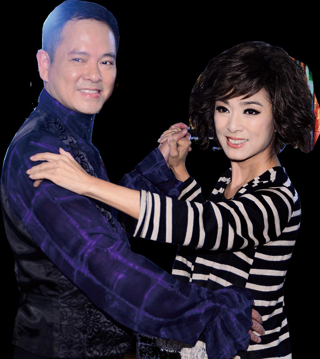 米雪和陳嘉輝邊拍邊學跳拉丁舞。(宋碧龍/大紀元)