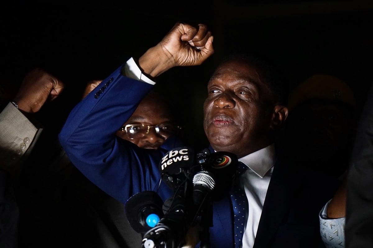姆南加古瓦週五(11月24日)在首都哈拉雷國家體育館,於數萬支持者面前宣誓就任津巴布韋新總統,終結了穆加貝37年的統治。圖為姆南加古瓦11月22日在執政黨總部發表講話。 (ZINYANGE AUNTONY/AFP/Getty Images)