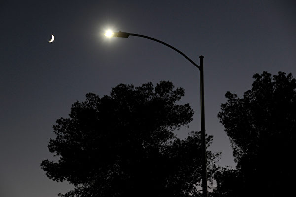 LED燈省電人人愛用 專家:加劇光害問題