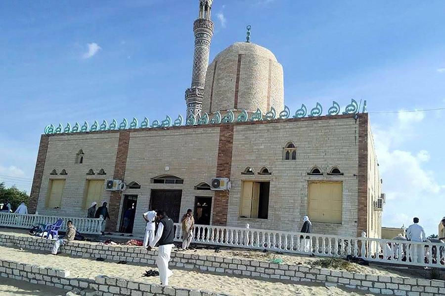 埃及襲擊305人遇難 軍方空襲恐怖份子藏身地