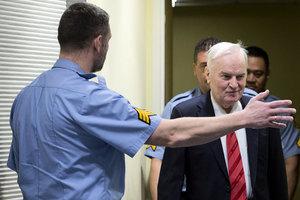 反人類罪成 「波斯尼亞屠夫」被判囚終身