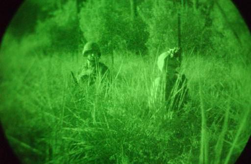 軍用夜視鏡的視覺效果非常好。(維基百科)
