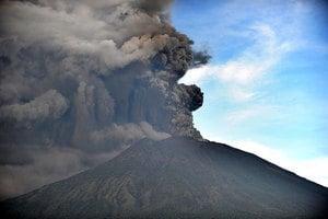峇里島火山又噴發 多航班取消影響數千旅客