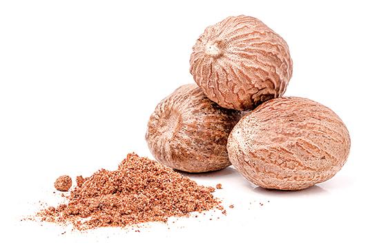 肉豆蔻粉要加在漢堡排中,可以增加風味。