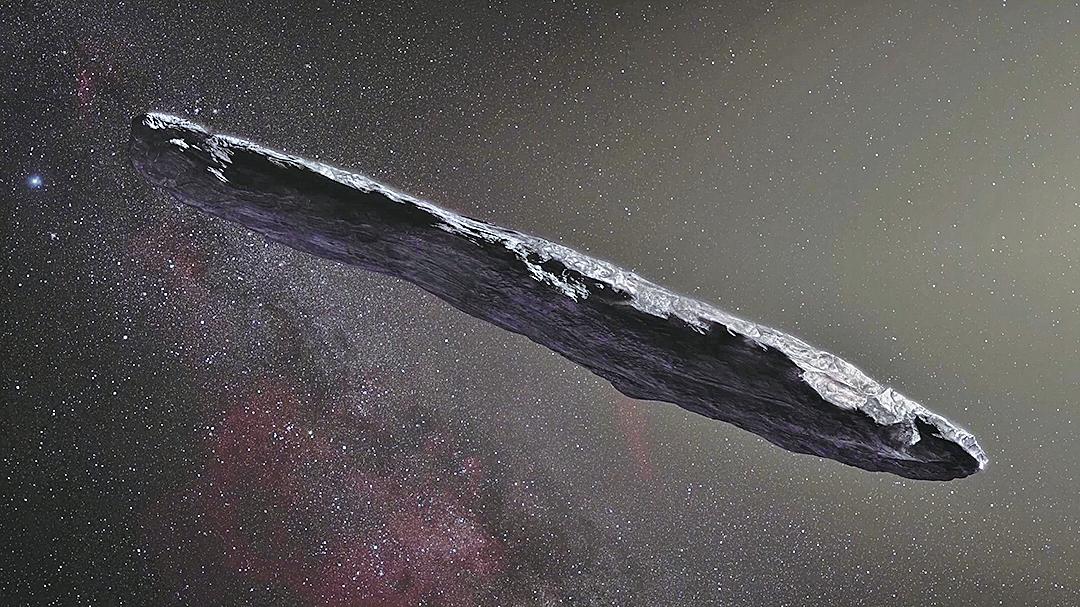 第一顆來自太陽系外的小行星從地球身邊擦過,科學家對於這個「遠方信使」的長條形狀感到十分驚訝。(ESO)