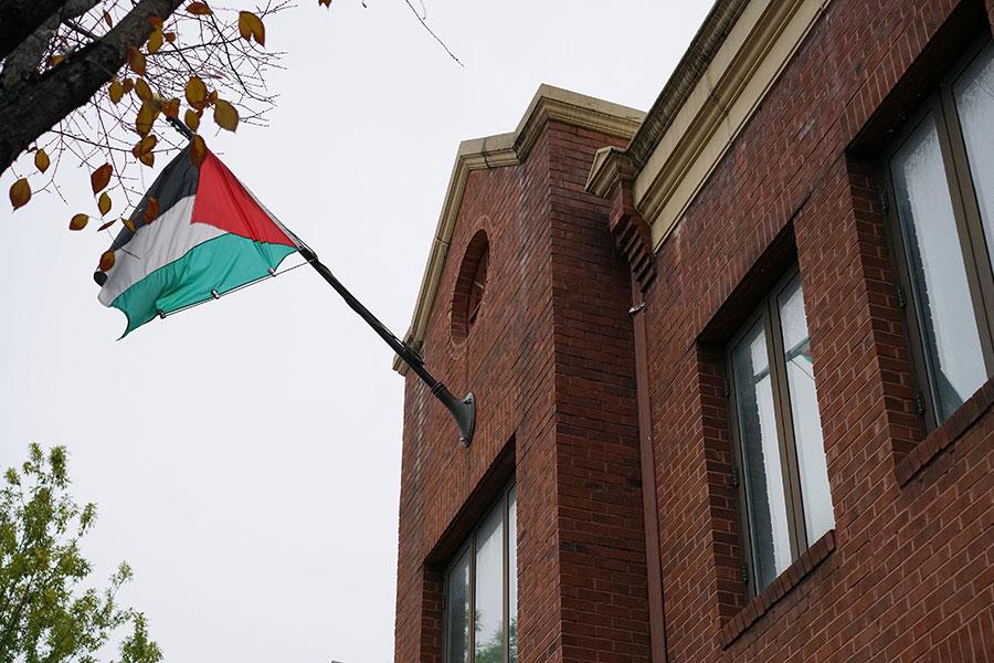 特朗普政府已經悄悄地逆轉了關閉巴勒斯坦駐華盛頓辦公室的決定,因為擔憂此舉將危及特朗普總統達成中東和平的雄心勃勃的計劃。(MANDEL NGAN/AFP/Getty Images)