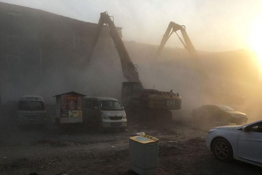 北京當局拆除大興火災附近的建築,強力驅趕低端租戶。(RYAN MCMORROW/AFP/Getty Images)