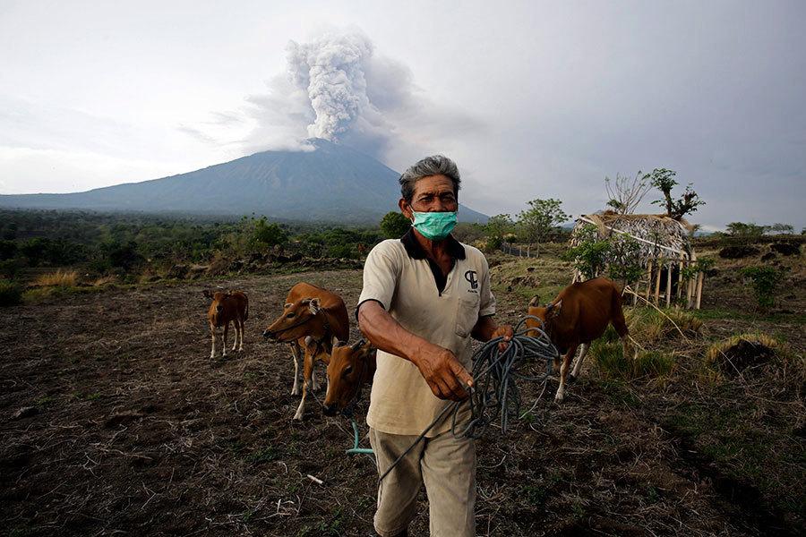 印尼火山爆發 一些加國人和數百中國人被困