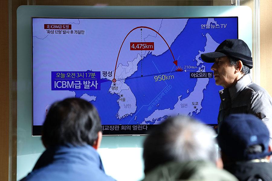 北韓在11月29日凌晨試射洲際彈道導彈,進行挑釁。(Chung Sung-Jun/Getty Images)
