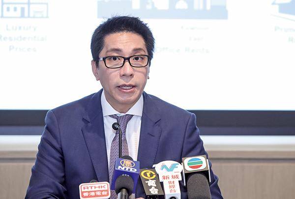 萊坊高級董事及估價及諮詢部主管林浩文表示,因現時樓價已相當貴,不過樓價趨升情況下,購買面積越來越小。(余鋼/大紀元)