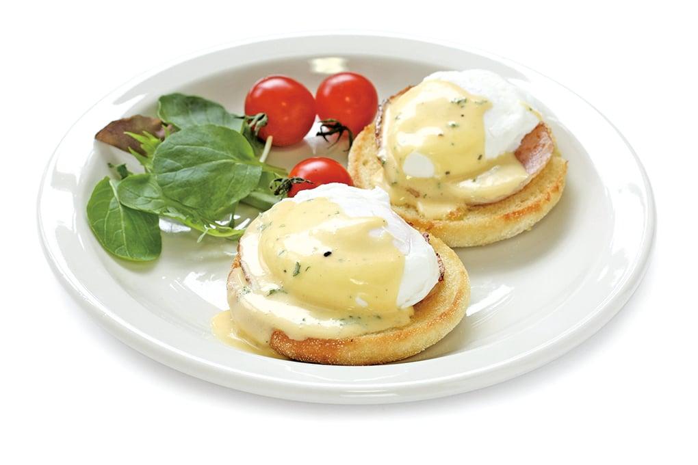 經典早午餐班乃迪克蛋,需要淋上荷蘭醬。