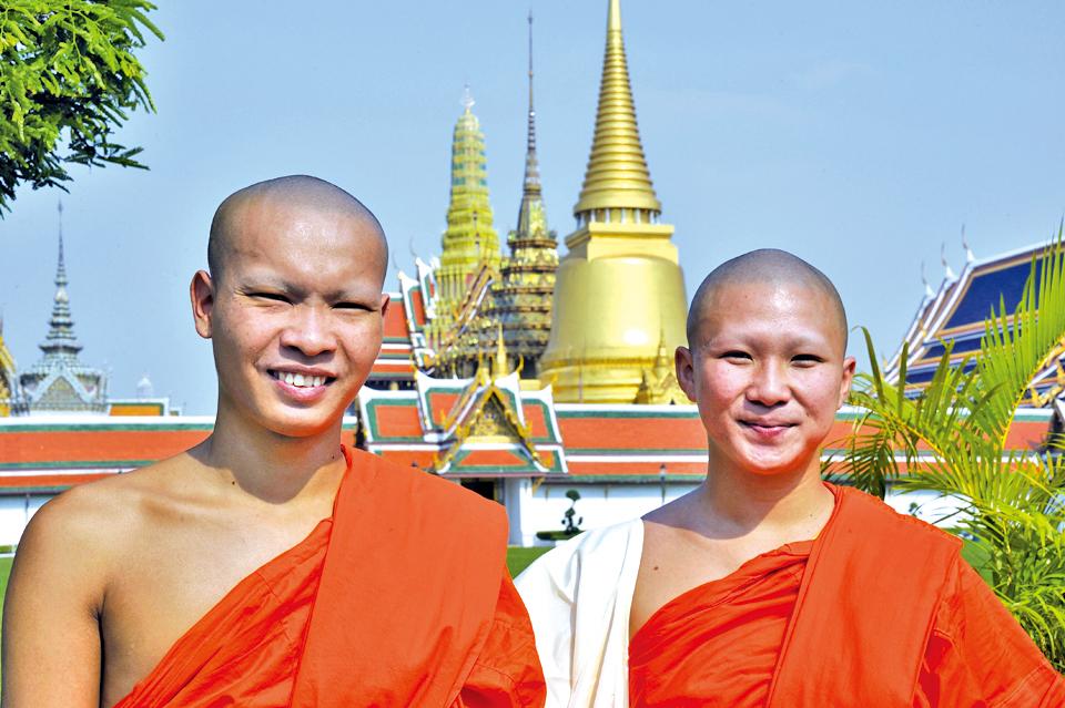 泰國古剎林立,僧人眾多。