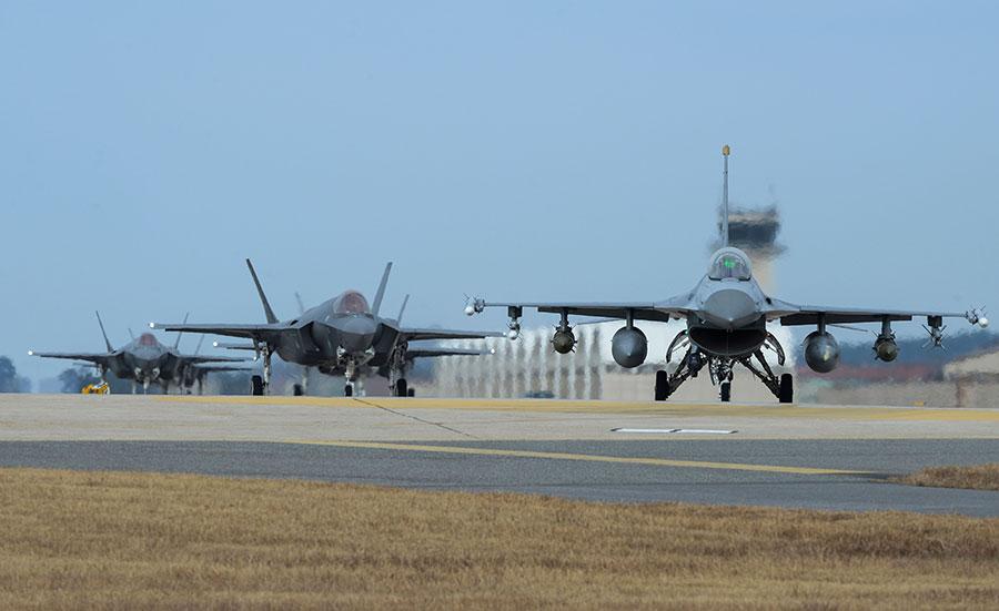 中、美如果開戰,專家表示中共必敗。圖為駐韓美國空軍。(Senior Airman Colby L. Hardin/U.S. Air Force via Getty Images)