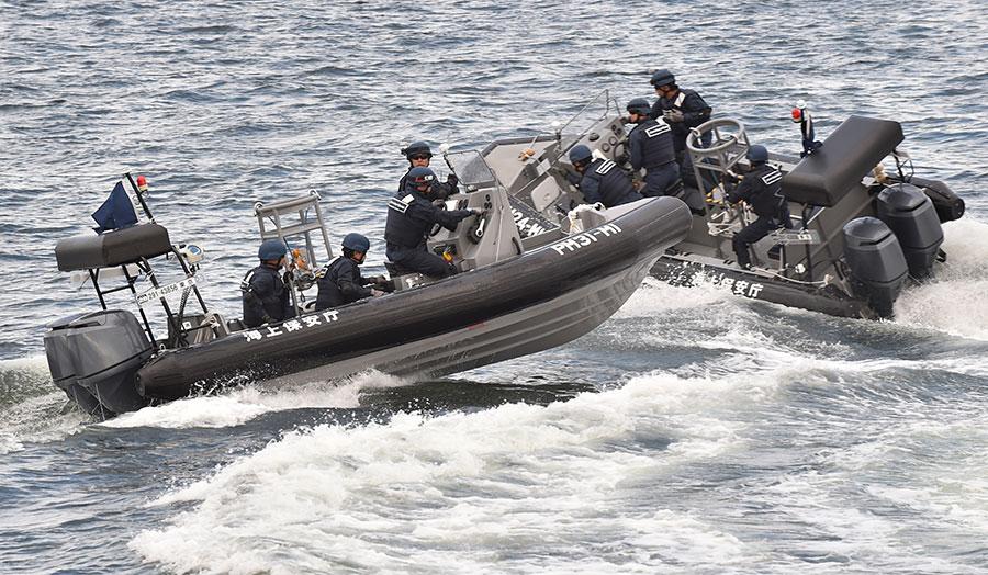 日本海岸警衛隊說,漂流至日本海沿岸的「鬼船」在11月達到28艘。(KAZUHIRO NOGI/AFP/Getty Images)