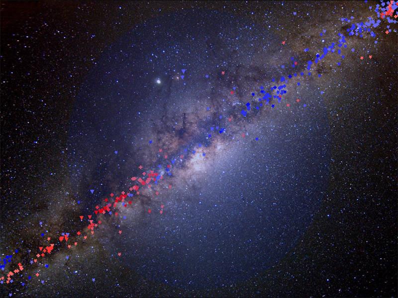 銀河系側面觀,為扁平圓盤狀。(NASA)