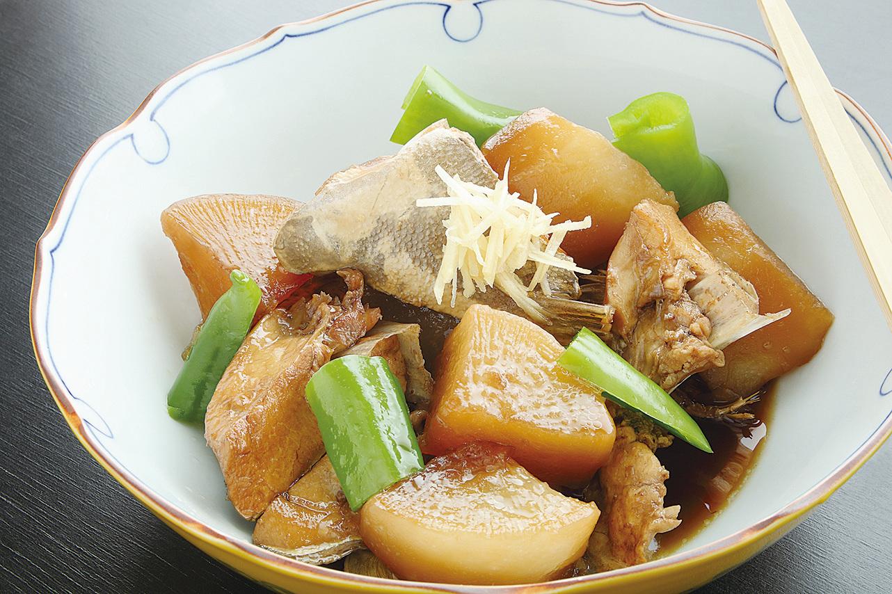 日本料理蘿蔔煮鰤魚。(iStock.com)