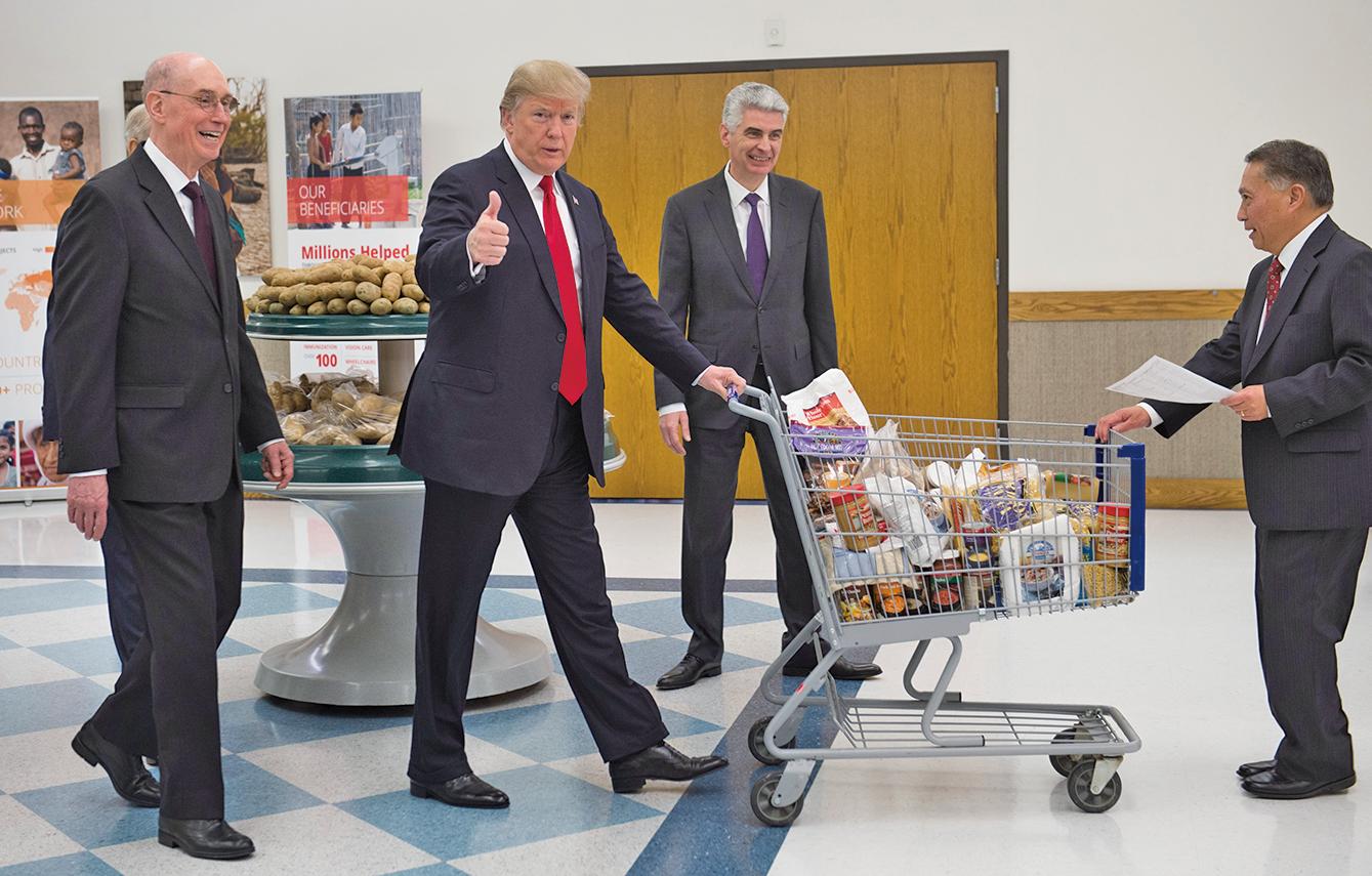 隨著共和黨人稅改接近勝利的終點,美國總統特朗普承諾,下一步要做的是福利改革。(AFP)