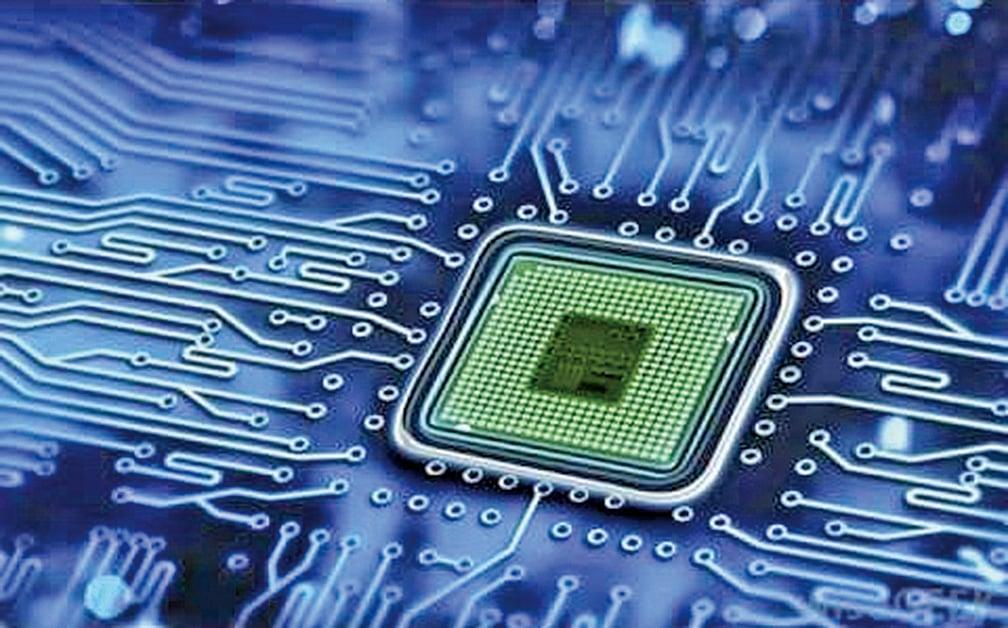 研究者們成功將電子電路印在布料上。圖為普通的電路板。(影片截圖)